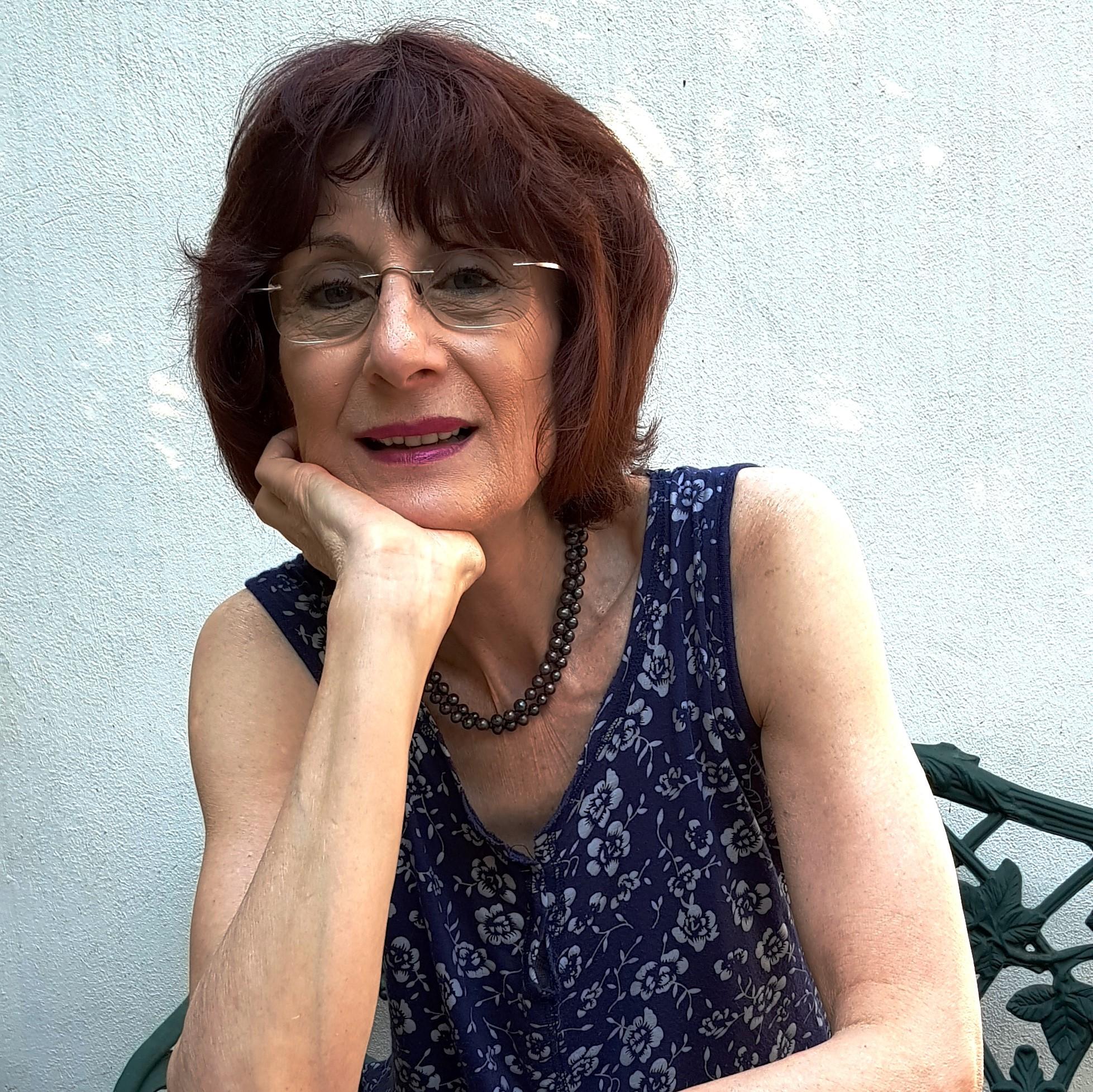 Dr Inette Taylor